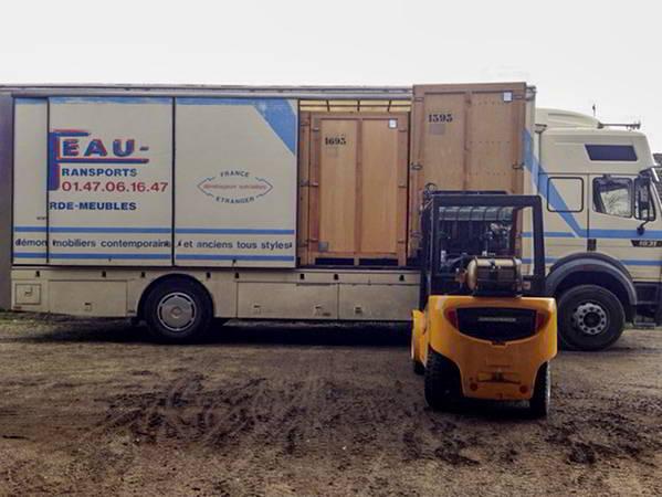 AB Charteau des vehicules adaptes au transport de vos containers