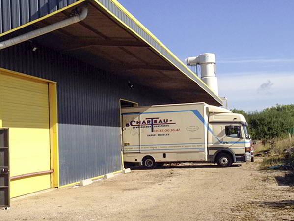 AB Charteau garde meubles avec acces direct aux camions