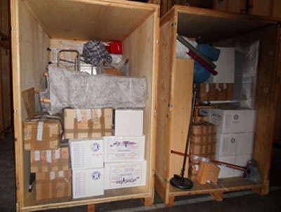 garde-meubles en cours de chargement chez AB Charteau