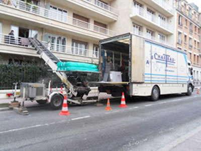 Les camions et monte-meubles AB Charteau vous aident à déménager vos meubles imposants